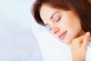 Earthing Deeper Sleep/Woman Sleeping soundly
